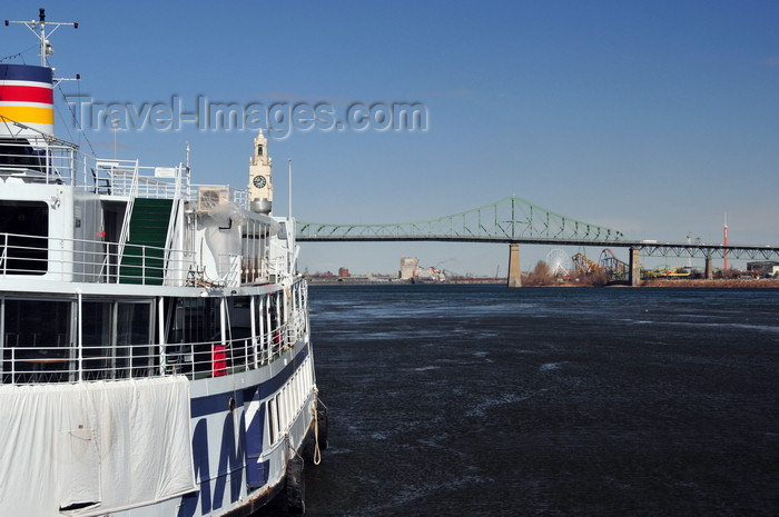 canada618: Montreal, Quebec, Canada: boat Louis Jolliet and Jacques Cartier bridge over the Saint Lawrence River - Quai de l'Horloge - Vieux-Port - photo by M.Torres - (c) Travel-Images.com - Stock Photography agency - Image Bank