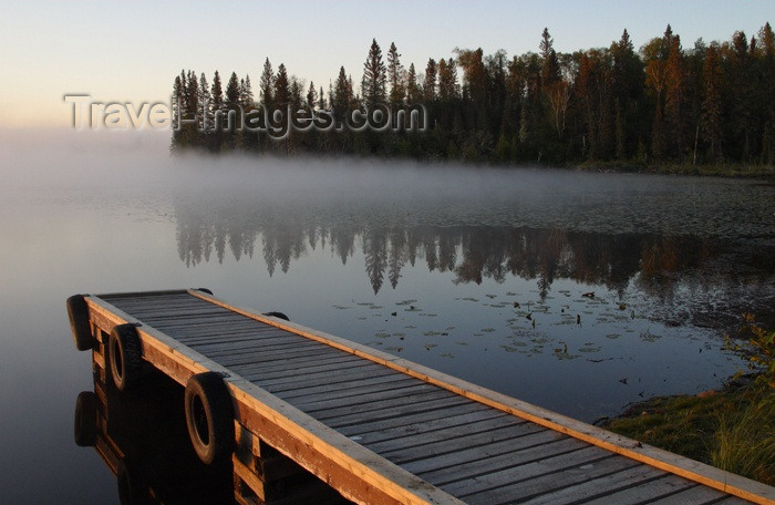 canada63: Canada / Kanada - Saskatchewan: reflection of trees and sky in this Northern Saskatchewan Lake - photo by M.Duffy - (c) Travel-Images.com - Stock Photography agency - Image Bank