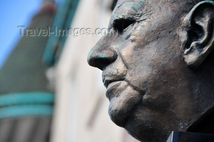 canada630: Montreal, Quebec, Canada: bust of President Charles de Gaulle - Rue Saint-Denis - photo by M.Torres - (c) Travel-Images.com - Stock Photography agency - Image Bank