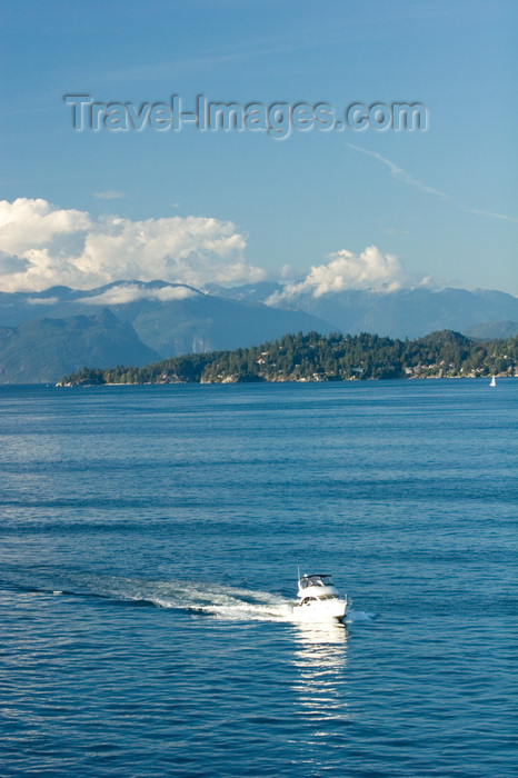 canada666: outside Vancouver, BC, Canada: boat in Howe Sound - photo by D.Smith - (c) Travel-Images.com - Stock Photography agency - Image Bank