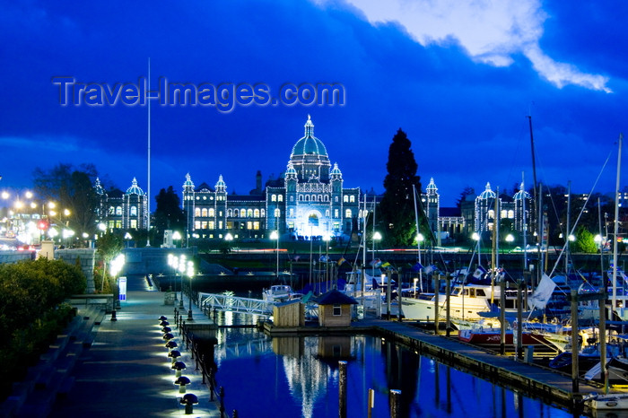 canada667: Victoria, BC, Canada: downtown at dusk - BC Legislature Parliament Buildings with low energy decorative lights in Victoria harbour - photo by D.Smith - (c) Travel-Images.com - Stock Photography agency - Image Bank