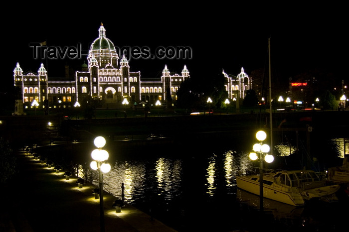 canada669: Victoria, BC, Canada: BC Legislature Parliament Buildings and harbour - nocturnal view - architect Francis Rattenbury - photo by D.Smith - (c) Travel-Images.com - Stock Photography agency - Image Bank