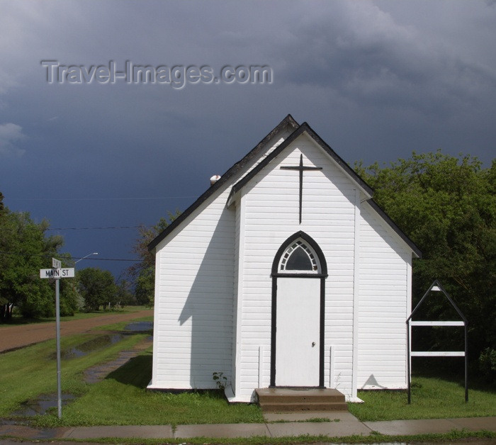canada68: Canada / Kanada - Saskatchewan: Little White Church - photo by M.Duffy - (c) Travel-Images.com - Stock Photography agency - Image Bank