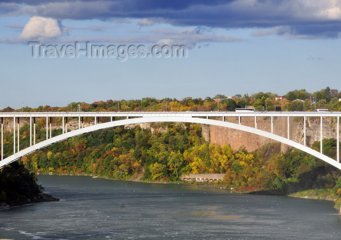 canada687: Niagara Falls, Ontario, Canada: Rainbow Bridge connects Ontario to NY state - designed by architect Richard Lee - Niagara River - part of Highway 420 - photo by M.Torres - (c) Travel-Images.com - Stock Photography agency - Image Bank
