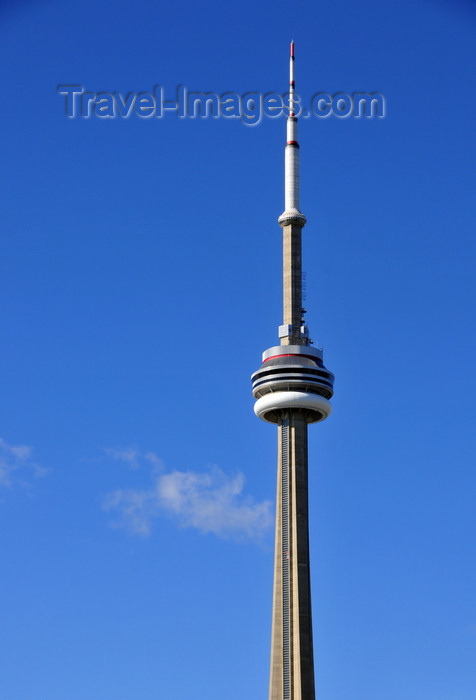 canada697: Toronto, Ontario, Canada: CN Tower - the tallest free-standing structure in the Americas - 553.33 metres tall communications and observation tower built by the Canadian National Railway - photo by M.Torres - (c) Travel-Images.com - Stock Photography agency - Image Bank