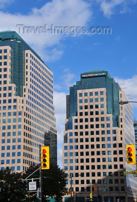 canada744: Toronto, Ontario, Canada: twin office buildings - AON (L) MacLaren and McCann (R) - Waterpark Place, 10 Bay St - traffic lights - photo by M.Torres - (c) Travel-Images.com - Stock Photography agency - Image Bank