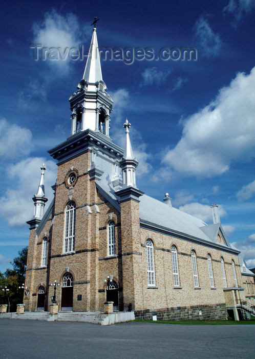 canada752: Hartland, New Brunswick, Canada: the local church - photo by C.Lovell - (c) Travel-Images.com - Stock Photography agency - Image Bank