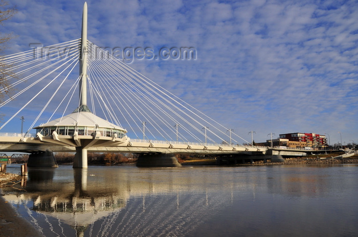 canada759: Winnipeg, Manitoba, Canada: Esplanade Riel pedestrian bridge - spans the Red River connecting downtown Winnipeg with St. Boniface, the city's French Quarter - side-spar cable-stayed bridge - photo by M.Torres - (c) Travel-Images.com - Stock Photography agency - Image Bank