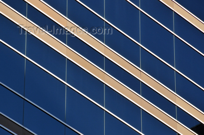 canada784: Winnipeg, Manitoba, Canada: a glass curtain wall makes a jail look line an office building - Kennedy Street - Remand Centre - Gaboury Prefontaine Perry architects - photo by M.Torres - (c) Travel-Images.com - Stock Photography agency - Image Bank