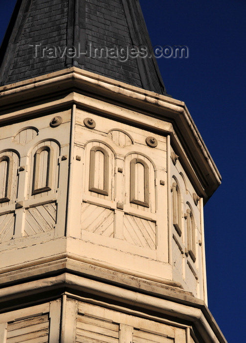 canada792: Winnipeg, Manitoba, Canada: wooden spire of Holy Trinity Anglican Church - architect Charles H. Wheeler - neo-Gothic style - Graham Avenue - National Historic Site - photo by M.Torres - (c) Travel-Images.com - Stock Photography agency - Image Bank