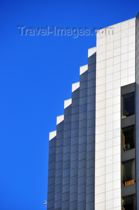 canada802: Winnipeg, Manitoba, Canada: MTS Place Main - architect Smith Carter - Main Street - built for the Bank of Montreal - Point Douglas - Lord Selkirk - West Kildonan - photo by M.Torres - (c) Travel-Images.com - Stock Photography agency - Image Bank