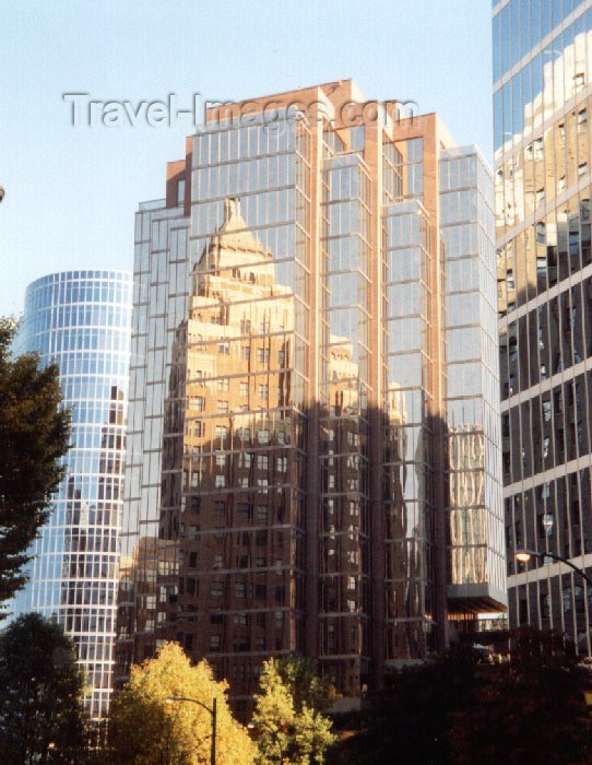 canada9: Canada / Kanada - Vancouver: reflections - glass façade - photo by M.Torres - (c) Travel-Images.com - Stock Photography agency - Image Bank