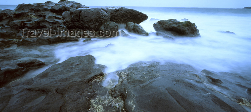canary73: Los Hervideros, Lanzarote, Canary Islands: the volcaninc coast of southern Lanzarote - photo by W.Allgöwer - (c) Travel-Images.com - Stock Photography agency - Image Bank