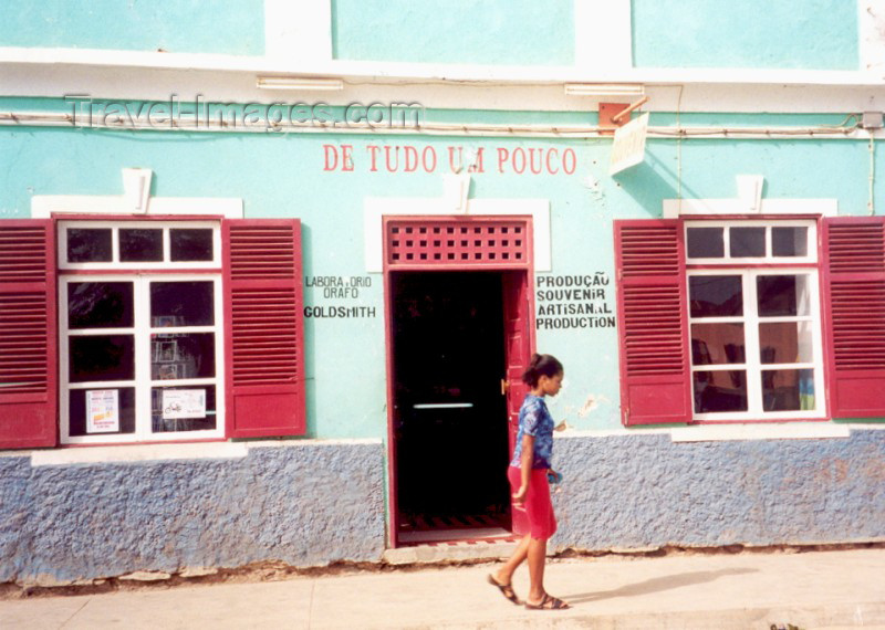 capeverde34: Cape Verde / Cabo Verde - Santa Maria, Sal island: walking by the general store - de tudo um pouco, mercearia e algo mais - photo by M.Torres - (c) Travel-Images.com - Stock Photography agency - Image Bank