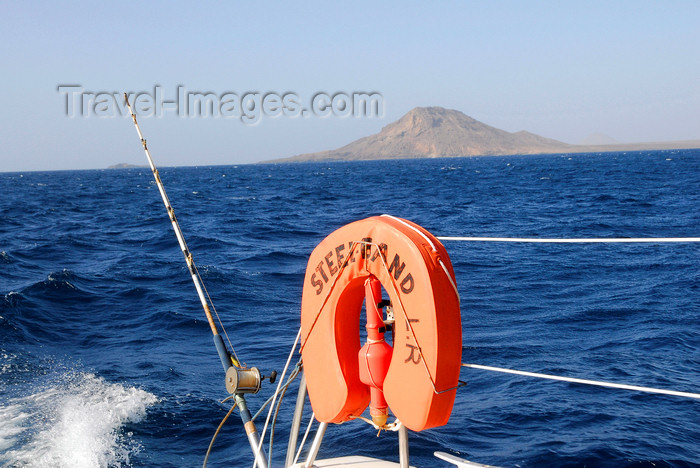 capeverde49: Sal island / Ilha do Sal - Cape Verde / Cabo Verde: fishing in Cape Verdian waters - photo by E.Petitalot - (c) Travel-Images.com - Stock Photography agency - Image Bank