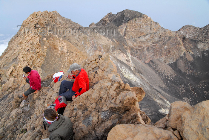 capeverde75: Fogo natural park, Fogo island - Cape Verde / Cabo Verde: at the top of Pico do Fogo volcano - edge of the caldera - photo by E.Petitalot - (c) Travel-Images.com - Stock Photography agency - Image Bank