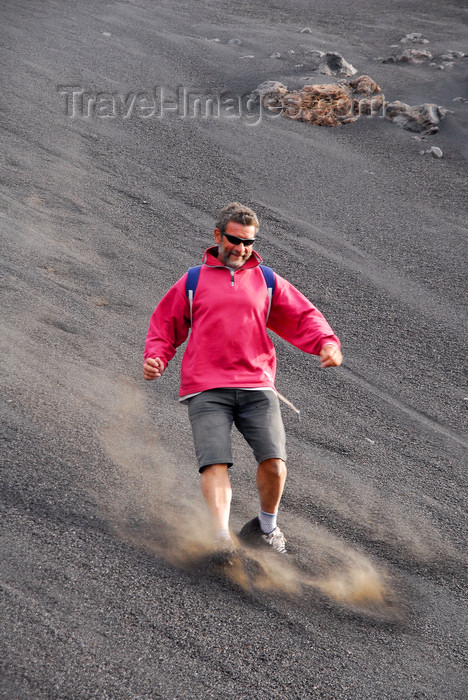 capeverde76: Fogo natural park, Fogo island - Cape Verde / Cabo Verde: lava - going down the slope on Pico do Fogo volcano - photo by E.Petitalot - (c) Travel-Images.com - Stock Photography agency - Image Bank