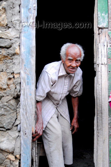 capeverde79: Fajã de Água, Brava island - Cape Verde / Cabo Verde: old man in a doorway - photo by E.Petitalot - (c) Travel-Images.com - Stock Photography agency - Image Bank