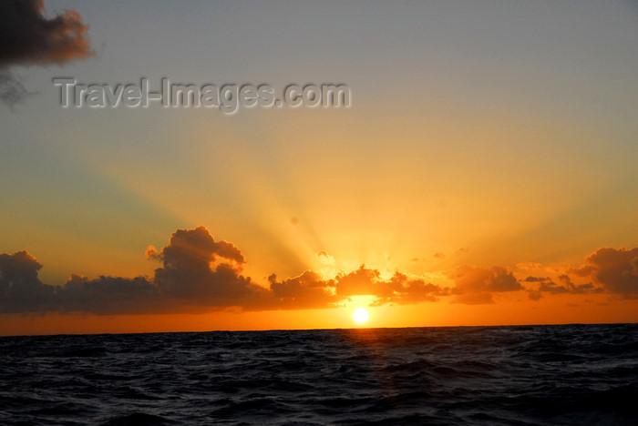 capeverde86: Brava island - Cape Verde / Cabo Verde: Atlantic sunset - photo by E.Petitalot - (c) Travel-Images.com - Stock Photography agency - Image Bank