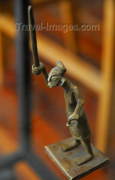car1: Central African Republic figurine - warrior brandishing a weapon - photo by M.Torres - (c) Travel-Images.com - Stock Photography agency - Image Bank