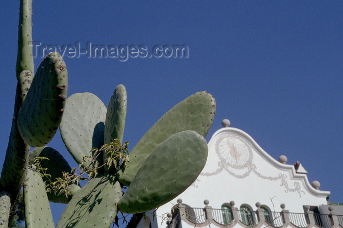 catalon100: Catalonia - Barcelona: cactus and gable with sundial - Parc Güell - Rellotge de sol - photo by M.Bergsma - (c) Travel-Images.com - Stock Photography agency - Image Bank