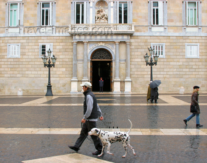 catalon118: Catalonia - Barcelona: walking by the Generalitat of Catalonia - plaça de Sant Jaume - photo by A.Dnieprowsky - (c) Travel-Images.com - Stock Photography agency - Image Bank