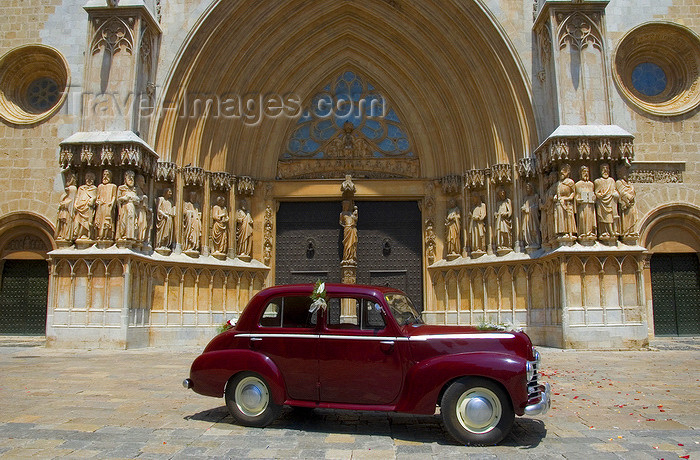 catalon128: Tarragona, Catalonia: the Cathedral - Romanesque portal and classical car, Vauxhall Wyvern LIX 4-Door Saloon - photo by B.Henry - (c) Travel-Images.com - Stock Photography agency - Image Bank
