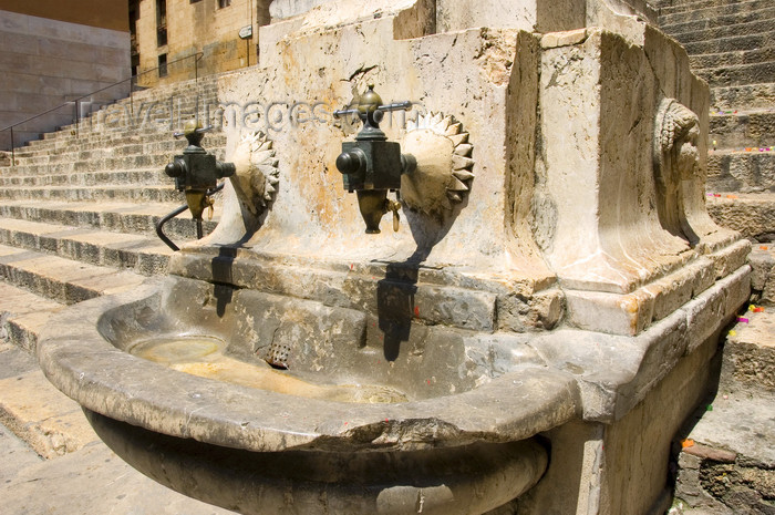 catalon131: Tarragona, Catalonia: old fountain for public water supply - photo by B.Henry - (c) Travel-Images.com - Stock Photography agency - Image Bank