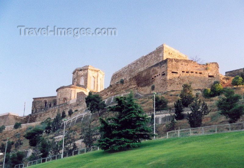 catalon15: Catalonia / Catalunya - Lleida / Lérida: the castle's western ramparts - photo by Miguel Torres - (c) Travel-Images.com - Stock Photography agency - Image Bank