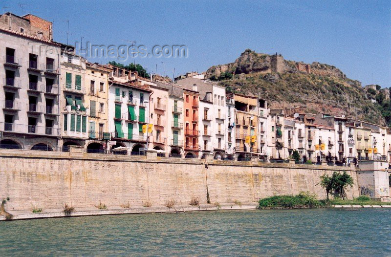 catalon18: Catalonia / Catalunya - Balaguer, Noguera, Lleida province: the castle - not much remains - photo by Miguel Torres - (c) Travel-Images.com - Stock Photography agency - Image Bank
