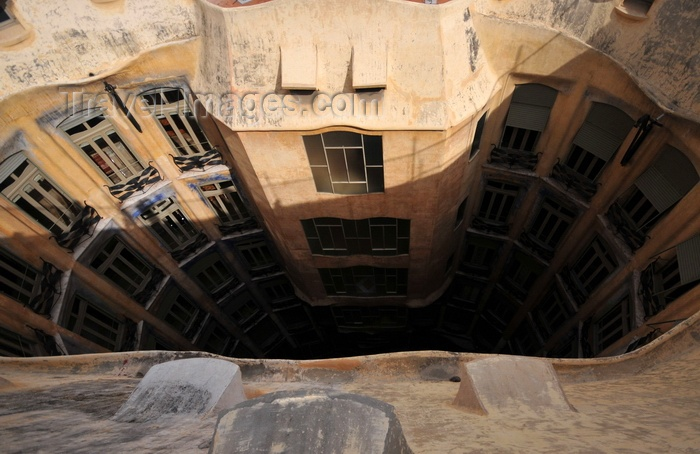 catalon217: Barcelona, Catalonia: atrium of Casa Milà, La Pedrera, seen from above, by Gaudi - UNESCO World Heritage Site - photo by M.Torres - (c) Travel-Images.com - Stock Photography agency - Image Bank