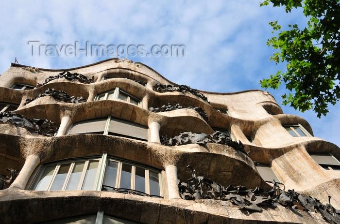 catalon228: Barcelona, Catalonia: facade of Antoni Gaudí's La Pedrera, Casa Milà - Passeig de Gràcia, modernist architecture - UNESCO World Heritage Site - photo by M.Torres - (c) Travel-Images.com - Stock Photography agency - Image Bank