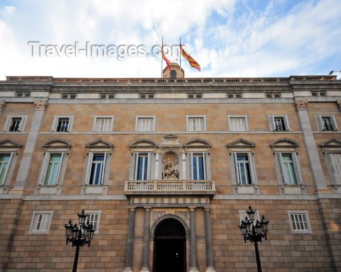 catalon249: Barcelona, Catalonia: facade of the Palau de la Generalitat de Catalunya - Government of Catalonia building - Plaça de Sant Jaume, Gothic Quarter - photo by M.Torres - (c) Travel-Images.com - Stock Photography agency - Image Bank