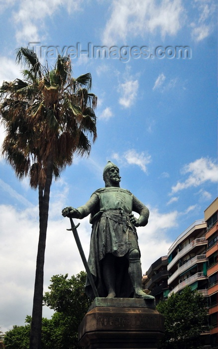 catalon263: Barcelona, Catalonia: Roger de Llúria statue, admiral of the fleet of the Crown of Aragon and of Sicily - Paseo de Lluis Companys and Paseo de Pujades - photo by M.Torres - (c) Travel-Images.com - Stock Photography agency - Image Bank