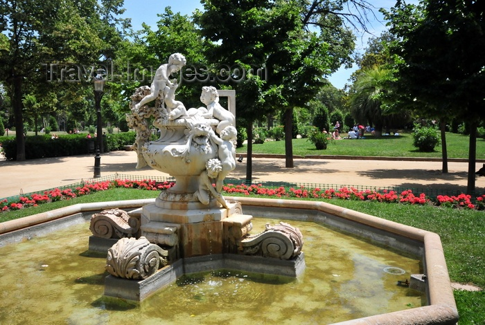 catalon266: Barcelona, Catalonia: fountain 'Vase with children' by Josep Reynés, 1882, Parc de la Ciutadella, former 1888 Barcelona World Fair - photo by M.Torres - (c) Travel-Images.com - Stock Photography agency - Image Bank