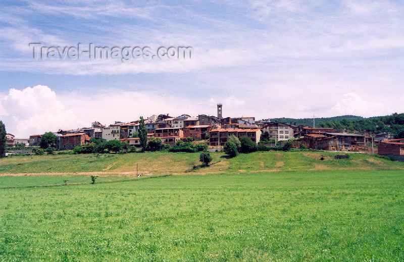catalon27: Catalonia / Catalunya - Adrall, Ribera d'Urgellet, Alt Urgell, Lleida province: in the fields - photo by Miguel Torres - (c) Travel-Images.com - Stock Photography agency - Image Bank