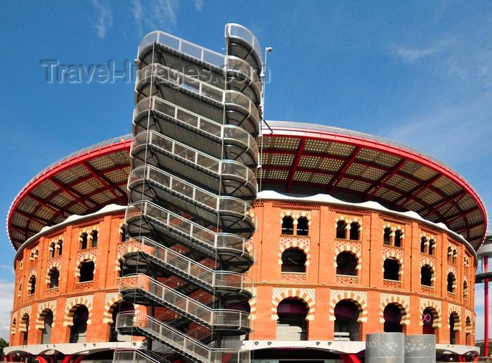 catalon275: Barcelona, Catalonia: Arenas de Barcelona shopping mall, old bullring, the Plaça de toros de les Arenes - Plaça d'Espanya - photo by M.Torres - (c) Travel-Images.com - Stock Photography agency - Image Bank