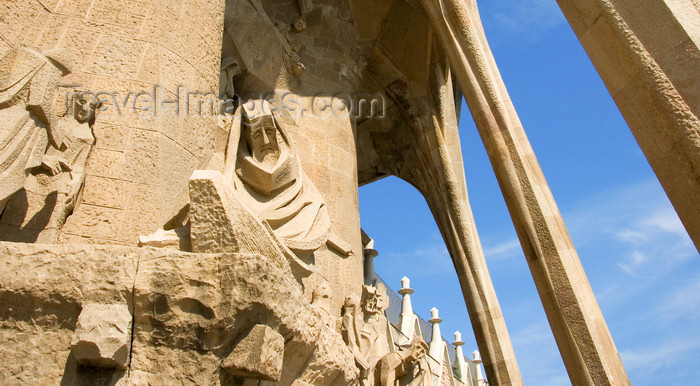 catalon43: Barcelona, Catalonia: statues in the portico of the Passion façade - sculptor Josep Maria Subirachs - Sagrada Familia Roman Catholic cathedral - Temple Expiatori de la Sagrada Familia - photo by B.Henry - (c) Travel-Images.com - Stock Photography agency - Image Bank