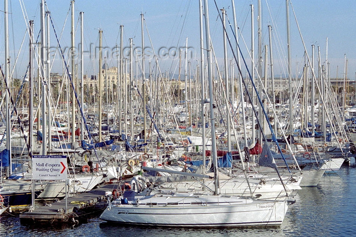 catalon46: Catalonia - Barcelona: marina by the Olympic village - photo by M.Bergsma - (c) Travel-Images.com - Stock Photography agency - Image Bank