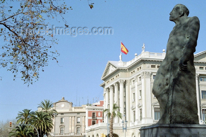 catalon81: Catalonia - Barcelona: statue and the neo-classical architecture of the Gobierno Militar building - photo by M.Bergsma - (c) Travel-Images.com - Stock Photography agency - Image Bank