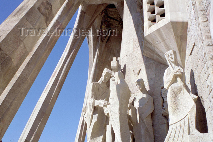catalon89: Catalonia - Barcelona: details of statues by Josep Maria Subirachs - Sagrada Familia cathedral - the Passion façade - photo by M.Bergsma - (c) Travel-Images.com - Stock Photography agency - Image Bank