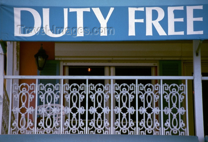 cayman10: Grand Cayman - Grand Cayman - George Town: duty free shop - tax free - photo by F.Rigaud - (c) Travel-Images.com - Stock Photography agency - Image Bank