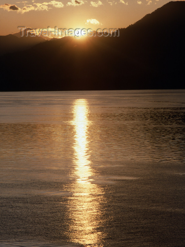chile10: Araucania Region, Chile - sunset on Lake Villarica - photo by Y.Baby - (c) Travel-Images.com - Stock Photography agency - Image Bank