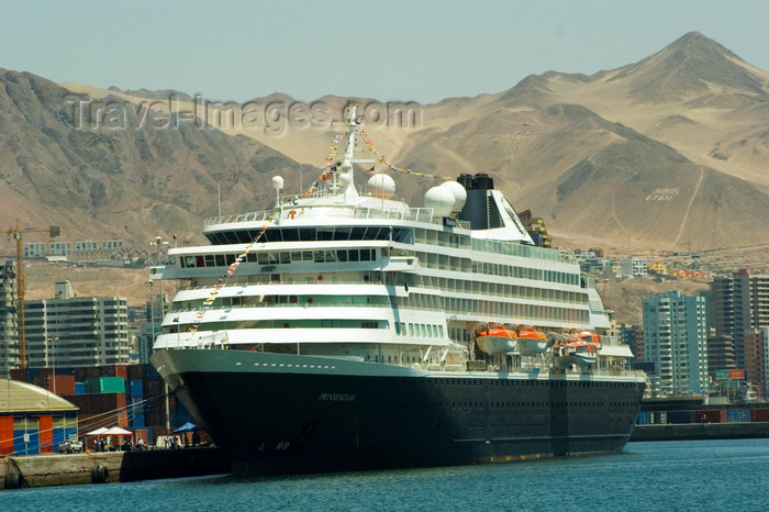chile126: Antofagasta, Chile: port - Holland America cruise ship MS Prinsendam | crucero MS Prinsendam en el puerto - photo by D.Smith - (c) Travel-Images.com - Stock Photography agency - Image Bank