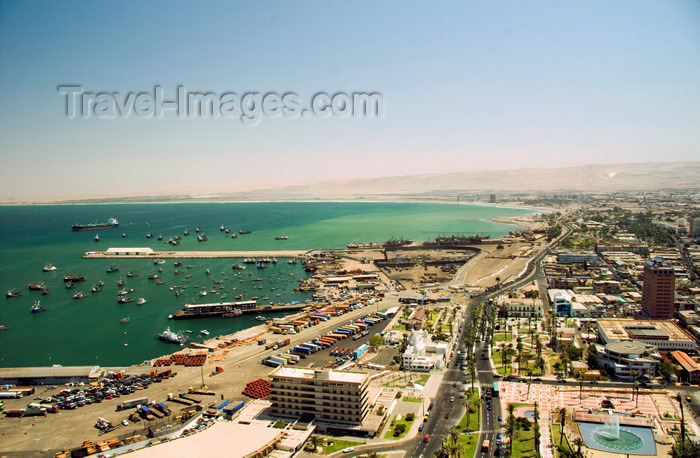 chile132: Arica, Chile: scenic view in the city - waterfront - Pacific Ocean | vista panorámica de la ciudad - Océano Pacífico y Avenida Grécia - photo by D.Smith - (c) Travel-Images.com - Stock Photography agency - Image Bank