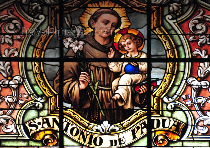 chile138: Santiago de Chile: Metropolitan Cathedral - St Anthony of Padua and Lisbon - stained glass - photo by M.Torres - (c) Travel-Images.com - Stock Photography agency - Image Bank