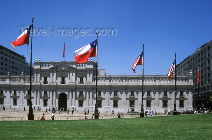 chile141: Santiago de Chile: Palacio de la Moneda - former residence of Chilean presidents - rebuilt in 1981 - photo by C.Lovell - (c) Travel-Images.com - Stock Photography agency - Image Bank