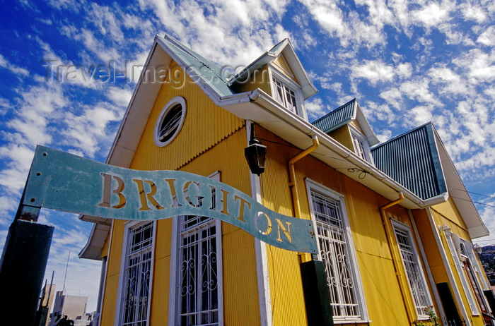chile161: Valparaíso, Chile: the Brighton bed and Breakfast, a historical house situated on a hill above the harbour- photo by C.Lovell - (c) Travel-Images.com - Stock Photography agency - Image Bank
