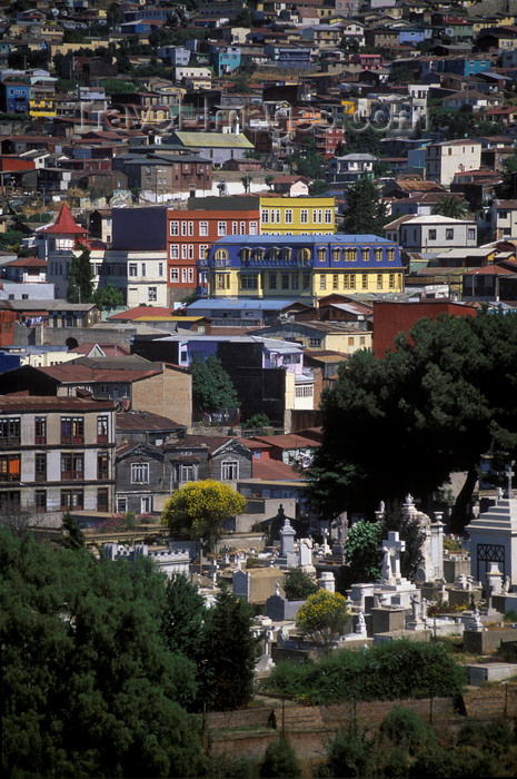 chile163: Valparaíso, Chile: view of the unique and colorful historic houses from Cerro Conception – cemetery and hill side construction - photo by C.Lovell - (c) Travel-Images.com - Stock Photography agency - Image Bank