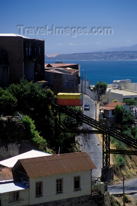 chile169: Valparaíso, Chile: one of the 'Ascensores', funicular railways which transport people up and down the hills of  Valparaíso - photo by C.Lovell - (c) Travel-Images.com - Stock Photography agency - Image Bank